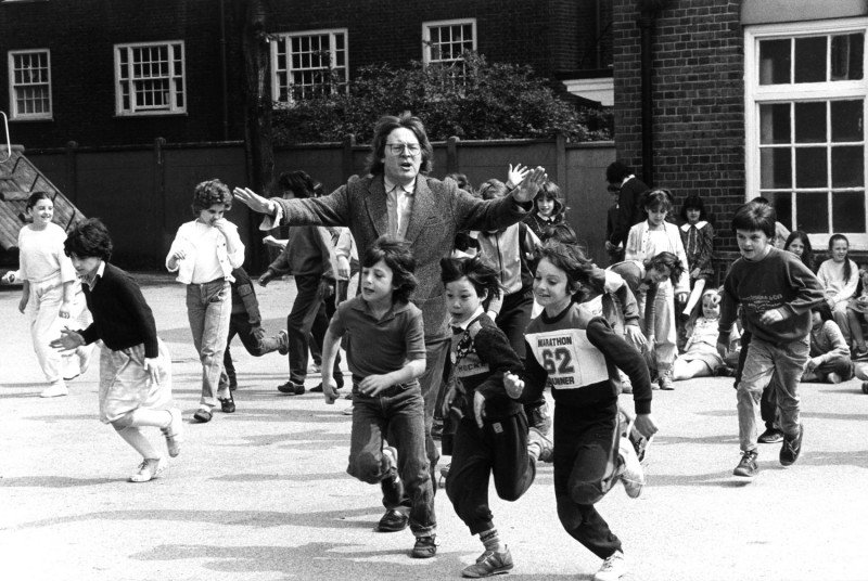 Alan Parker from A Turnip Head's Guide to the British Cinema INSERT-PIC-5-AP+KIDSRUNNINGPAST-web